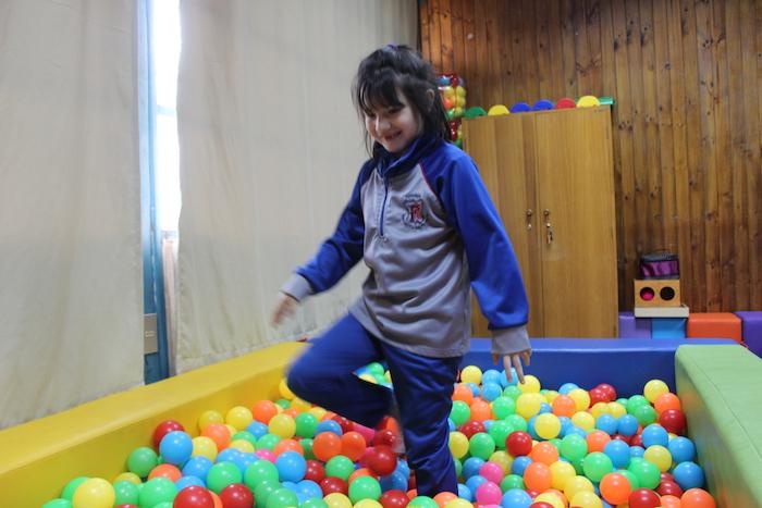 Sala de Integración Sensorial apoya aprendizaje de estudiantes de Linares