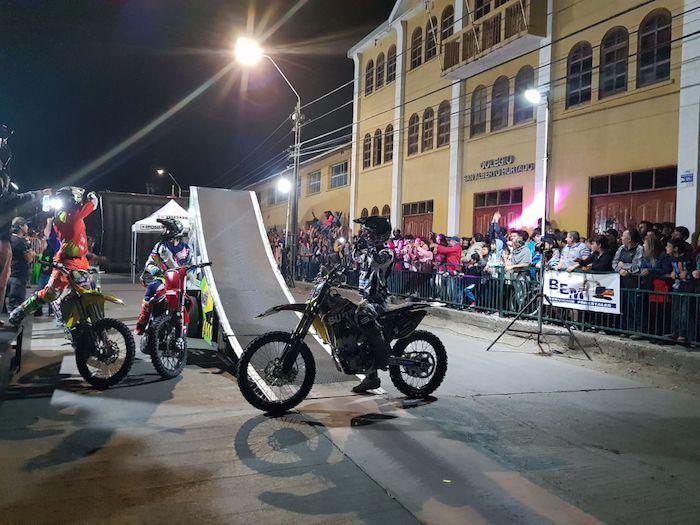 Espectaculares acrobacias en el aire en Freestyle Motocross 2018