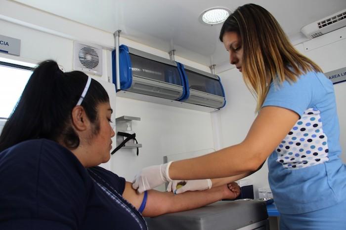 Comienza masivo operativo gratis para detectar la diabetes en 4 regiones y 20 comunas del país