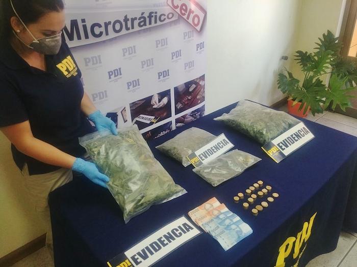 Detectives antinarcóticos sacaron de circulación un kilo y medio de marihuana procesada
