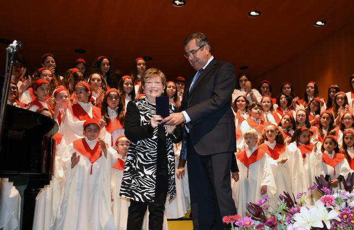 Mirta Bustamante, fundadora del Conservatorio y Coro de la UTALCA fue homenajeada
