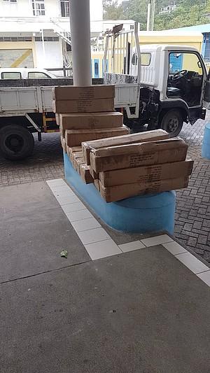 Des lits de camps distribués à Rodrigues