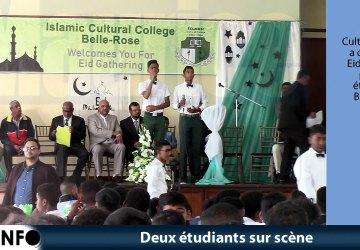 Deux étudiants sur scène