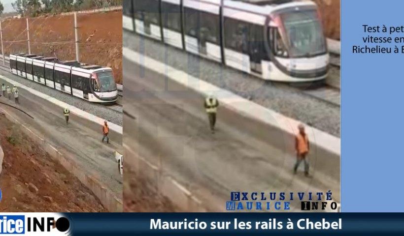 Mauricio sur les rails à Chebel