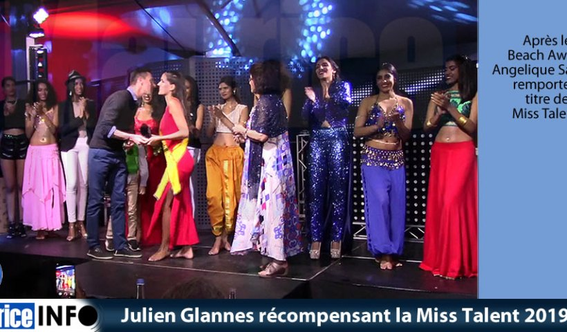 Julien Glannes récompensant la Miss Talent 2019