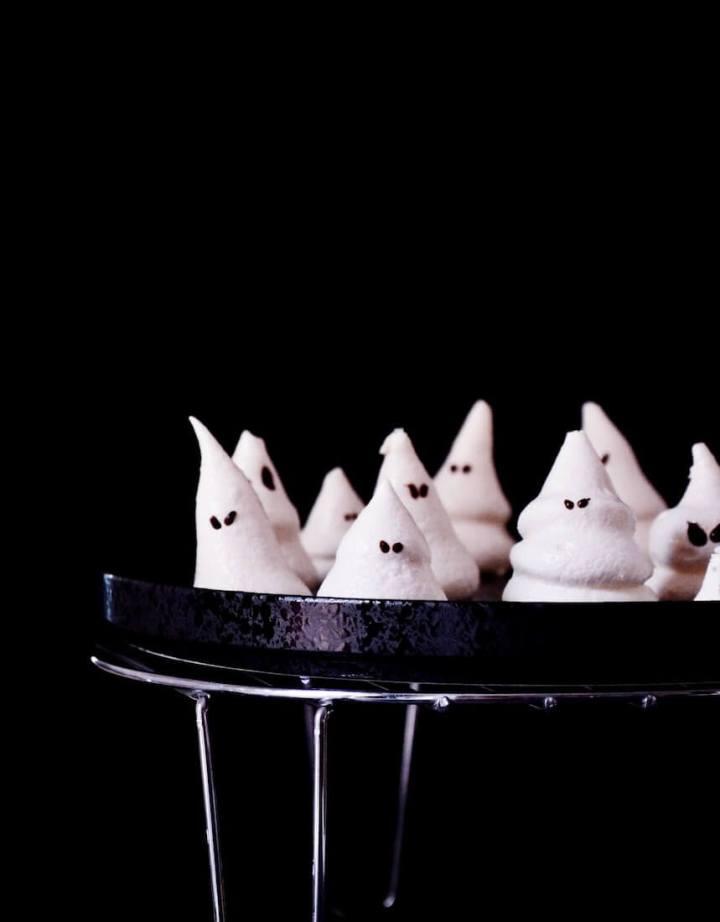 Petites meringues fantômes Halloween