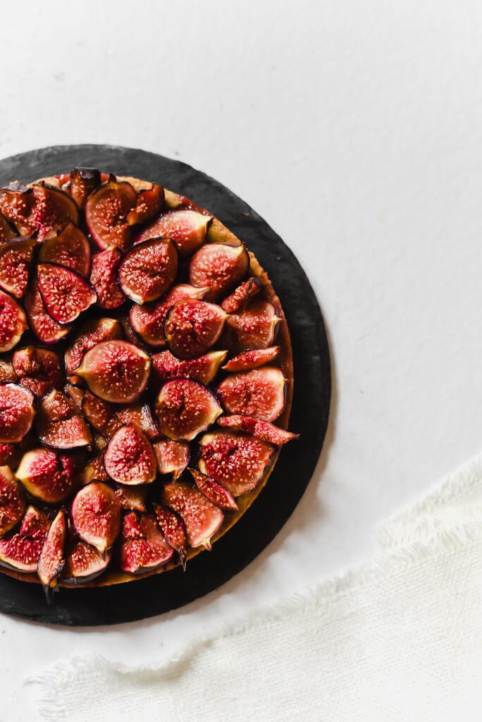 Tarte aux figues et pâte à la pistache