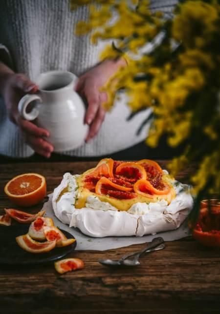 Pavlova aux oranges sanguines