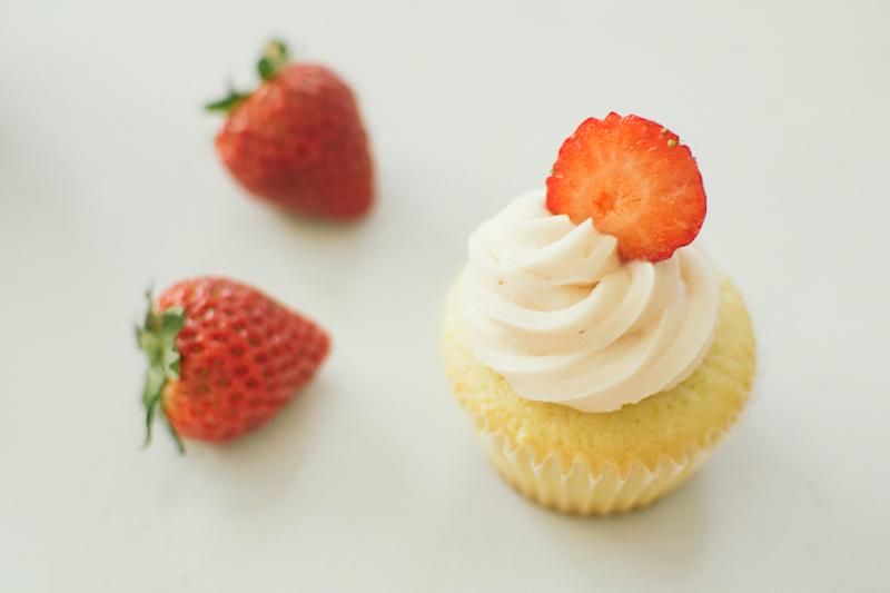 strawberry frosting