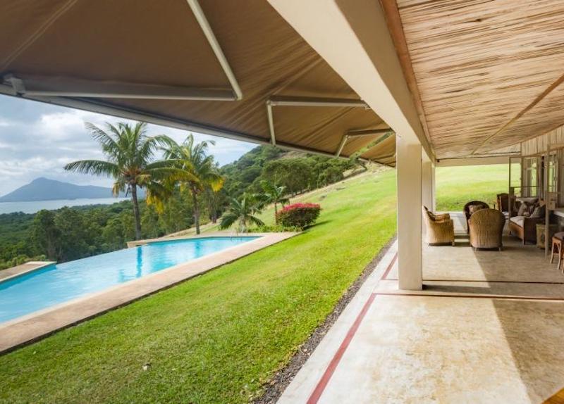 Le Petit Morne Villa in Mauritius - Pool side