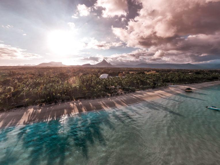 La Pirogue Resort