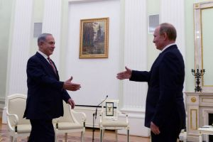 Voltafaccia: Israele apre a Putin. L'Europa ancora no (aspetta ordini).