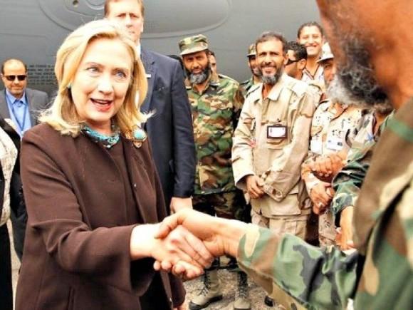 Libia.  Vera storia della jihadista Hillary Clinton, mezzana del caos.