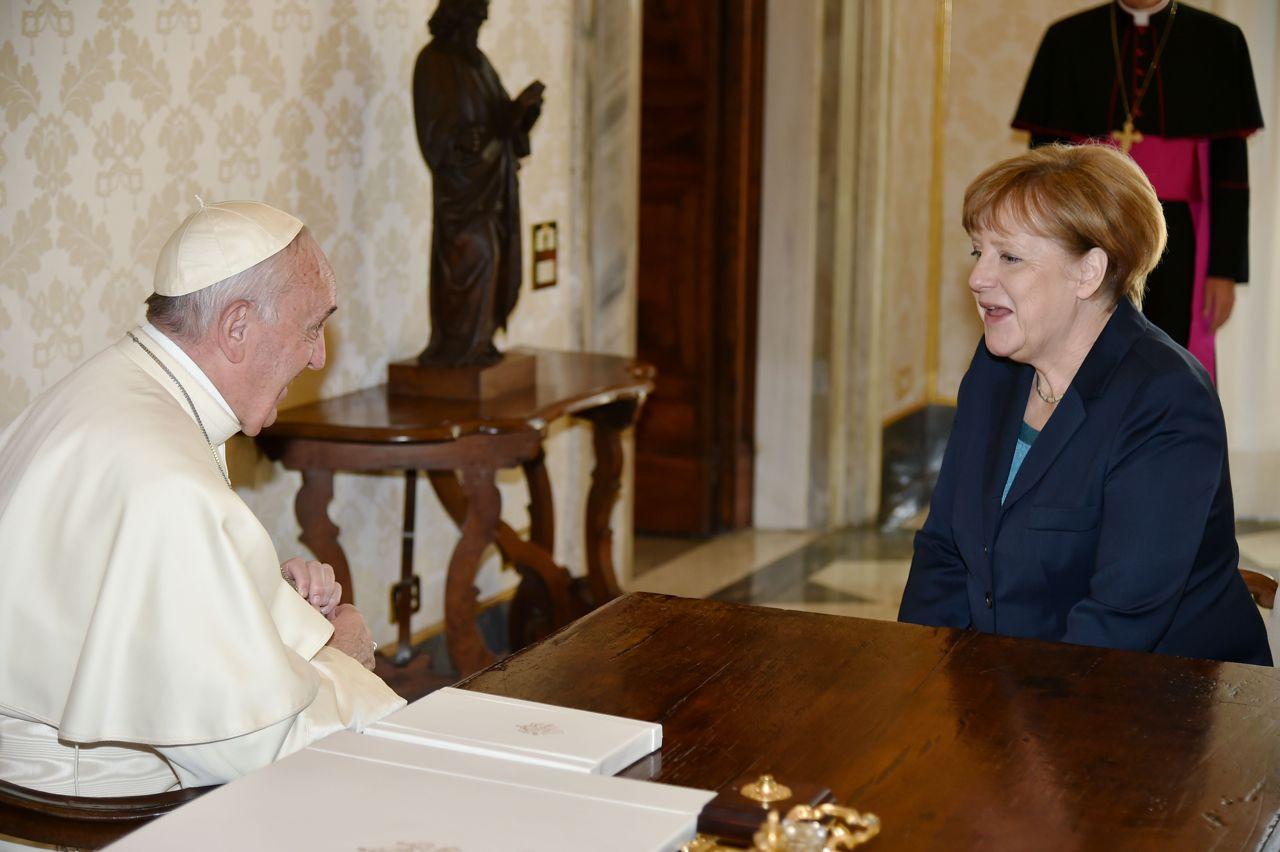 Più immigrati meno figli. Ce lo chiede la UE - ed El Papa.