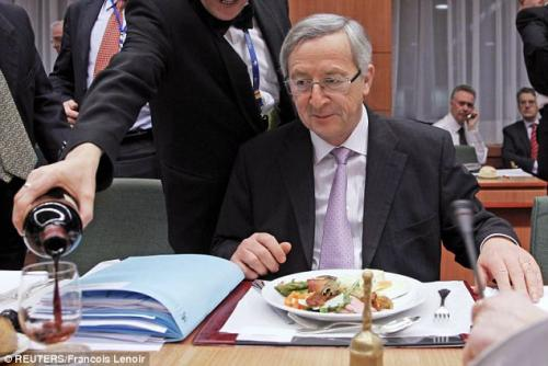 Brexit  reso impossibile da Juncker: Comma 22