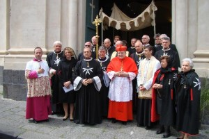 Il cardinal Burke fra i Cavalieri