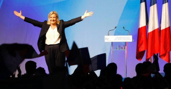 """MARINE LE PEN:   34%, DICONO I SONDAGGI """"SOUS LE MANTEAU"""""""
