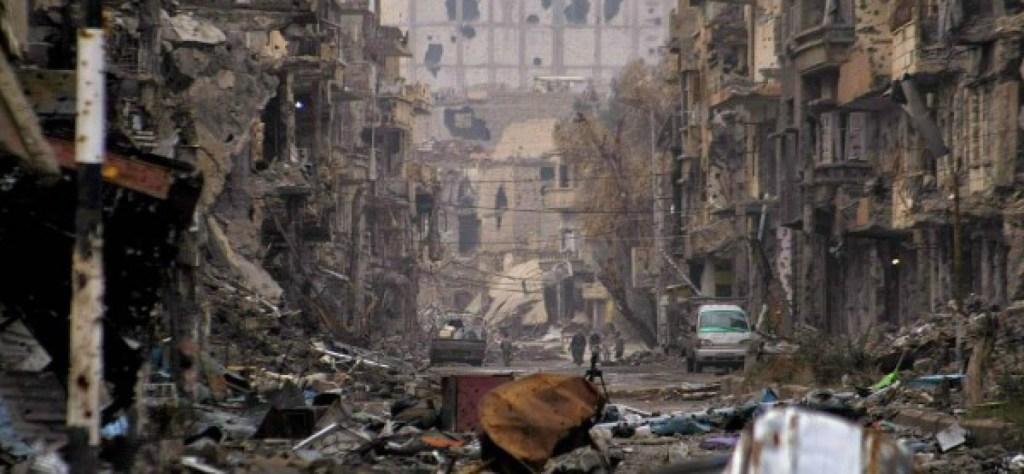 Deir Ezzor, Siria. Così l'hanno ridotta gli americani coi loro ribelli preferiti. Presto sarà Kiev? O Milano?