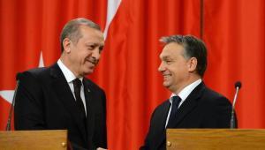 ORBAN SI PERMETTE UNA GRANDE POLITICA - con Turchia e Mosca
