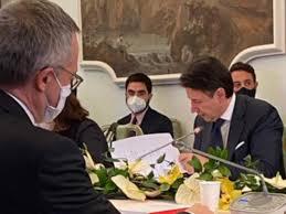 Governo: lo scontro tra Conte e Bonomi è stato l'unico vero momento politico di Villa Pamphilj…