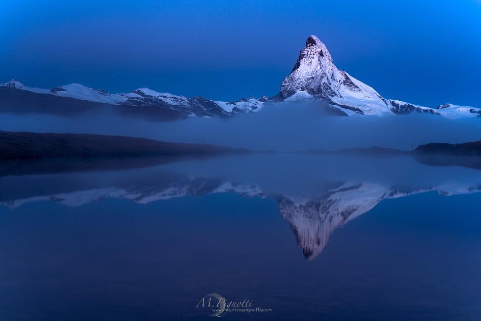 blue-pyramid