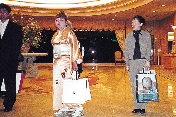 mauro-pispoli-shopping-bag-giappone