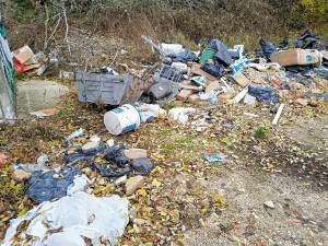 Illegálisan lerakott hulladék