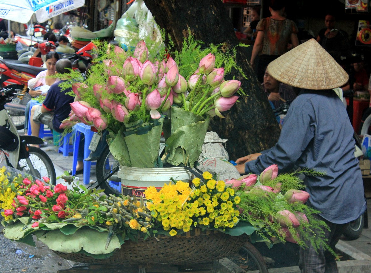 The flower sellers are a common sight of Hanoi