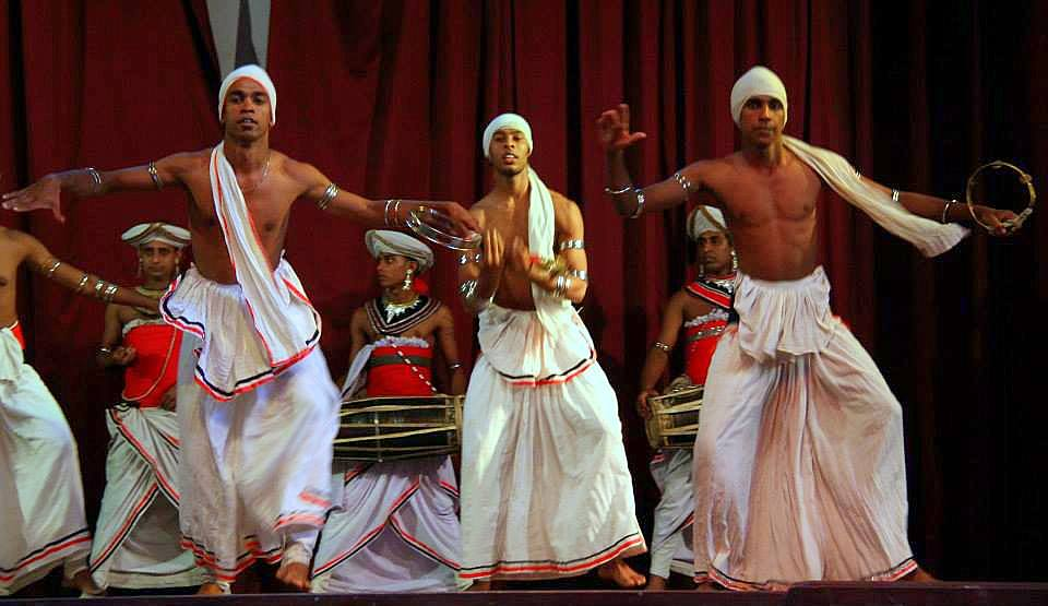 traditional dancers at kandy