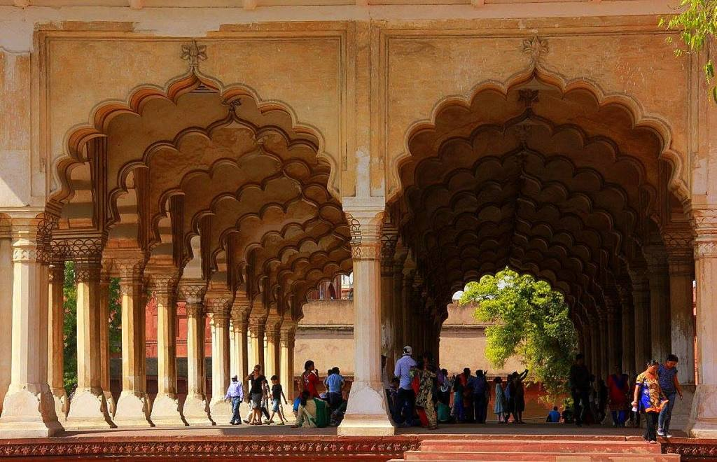 agra fort is a vast complex