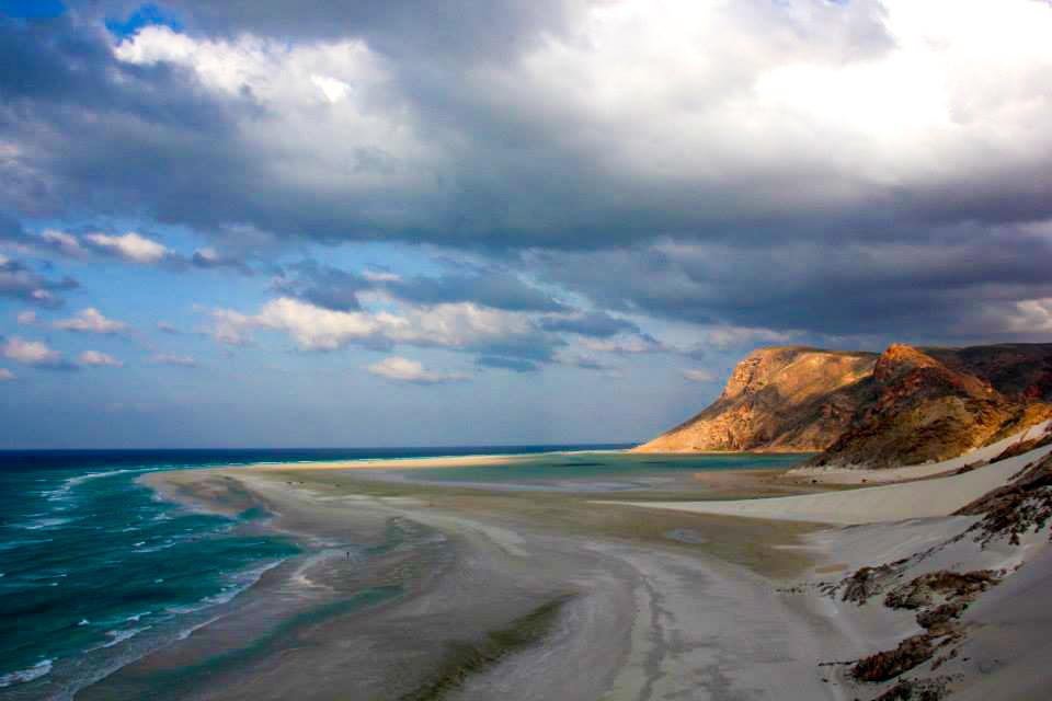 detwa lagoon of qalanciya