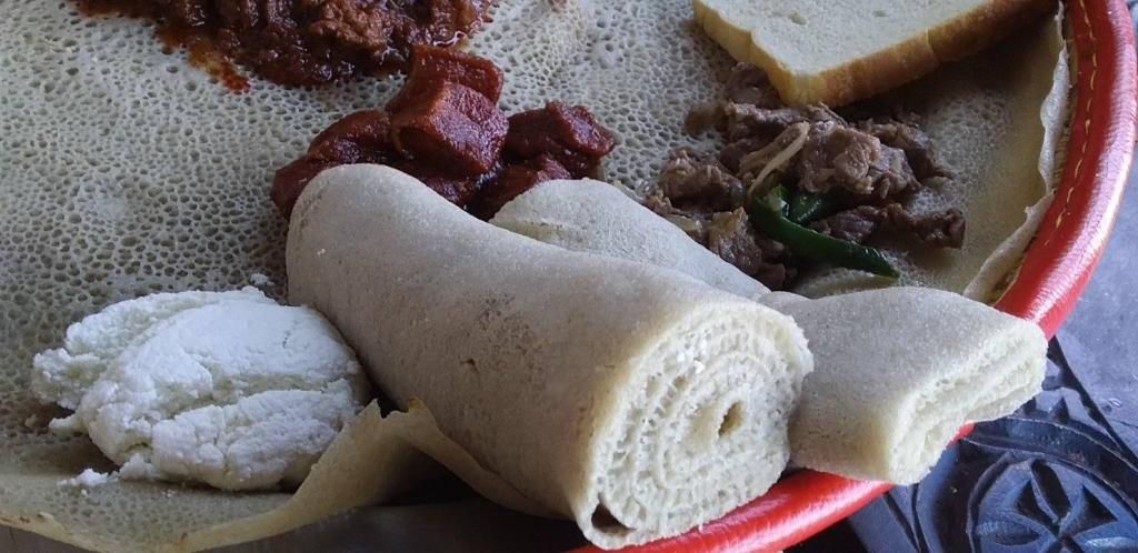 injera is the staple of ethiopian food