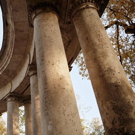 El palacio de Carlos V se puede ver al visitar Granada