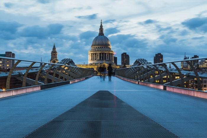 El arquitecto Christopher Wren construyó la Catedral de San Pablo de Londres.