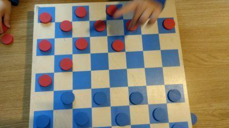 Las damas es uno de los juegos de mesa más populares