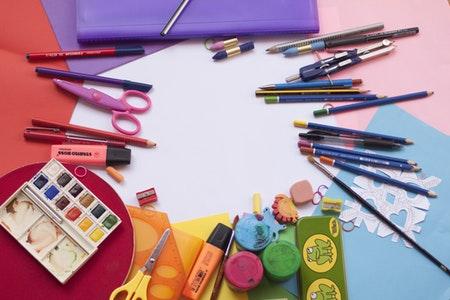 Materiales de arte para niños