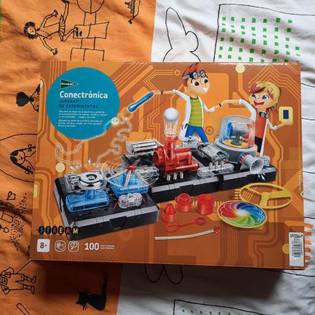 Juguetes de ciencias como un circuito eléctrico
