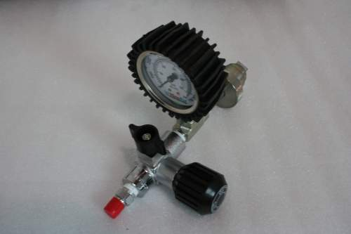 Max-Air SCBA Valve with 4' Hose and Gauge FV-1004 DG