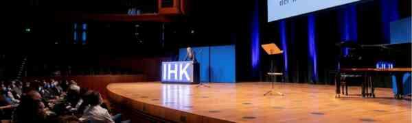 Bestenehrung der IHK Düsseldorf - Das #MWBK und seine Schüler/innen wurde wieder zahlreich geehrt.