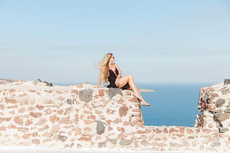 Destination Wedding Photographer Maxeen Kiim in Oia Santorini