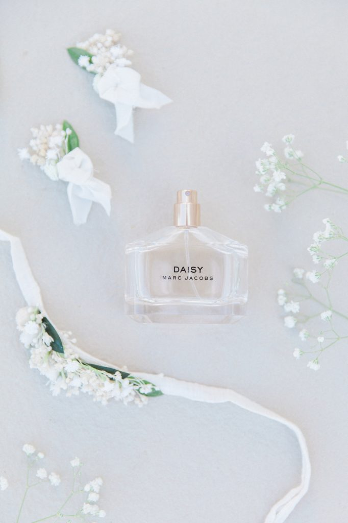 Mark Jacobs Daisy fragrance with the brides dried flowers hair accessories