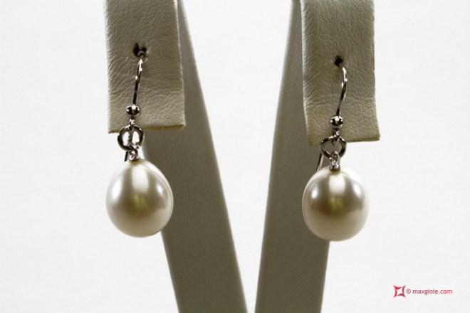 Biwa Pearl Earrings TOP 10-10½mm in Gold 18K
