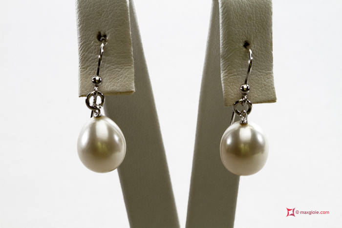 Biwa Pearl Earrings TOP 10-10½mm in Gold 18K