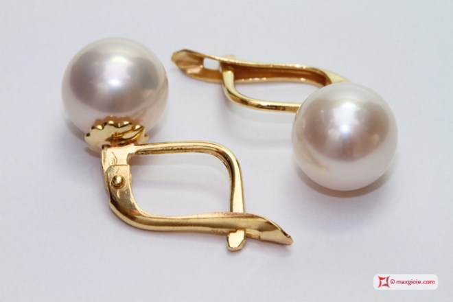 Akoya Pearl Earrings TOP 8-8½mm in Gold 18K m
