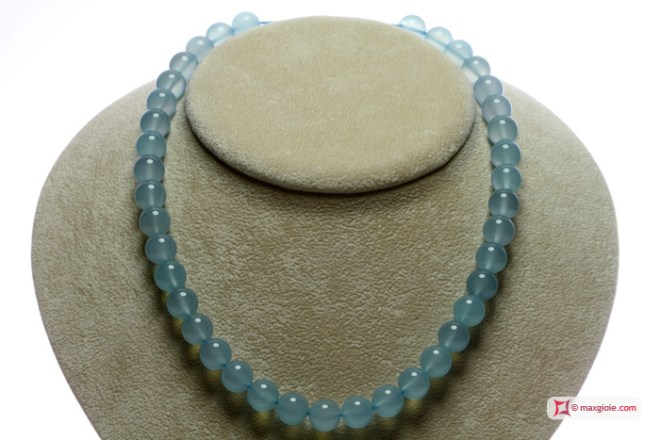 Extra Chalcedony Sea Blue Necklace 10mm round in Gold 18K