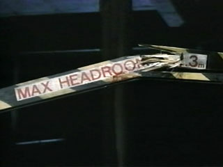 https://i2.wp.com/www.maxheadroom.com/images/6/6d/Mh-ch4-0-1-broken-headroom-bar.jpg
