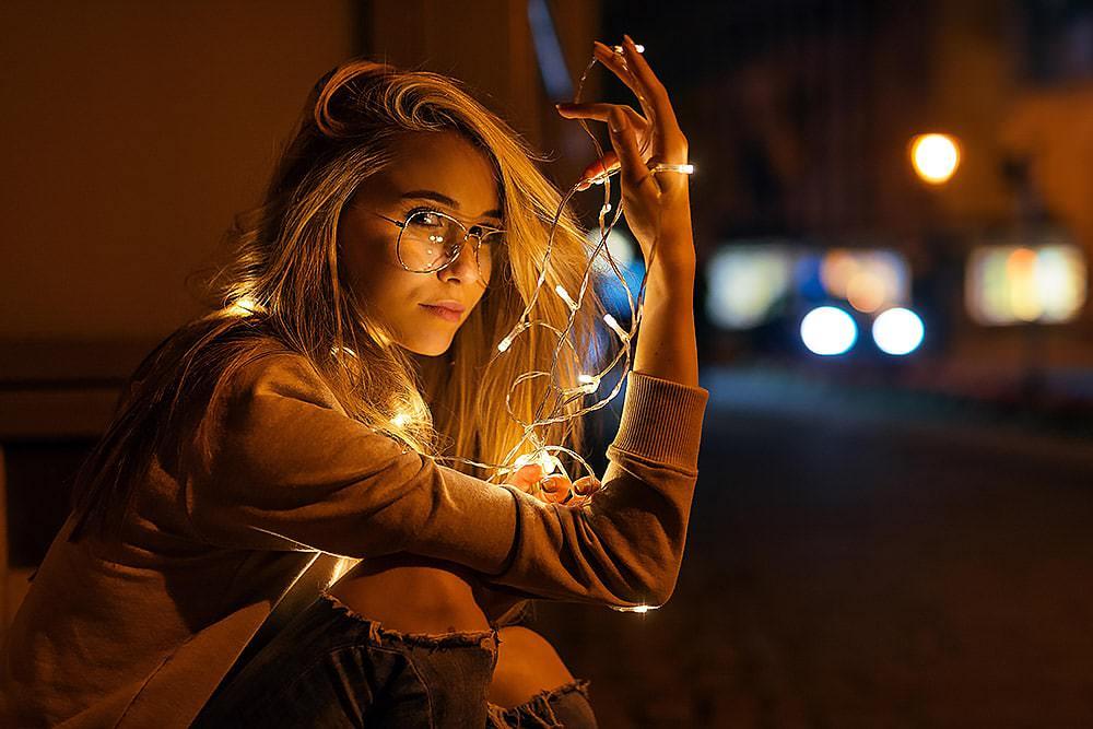 Fotoshooting Streetfotografie Fotograf fotostudio Fotokurs Workshop Profifotograf max hoerath bayreuth bamberg coburg hof weiden sonneberg - Lichterketten Shooting I mit Selina