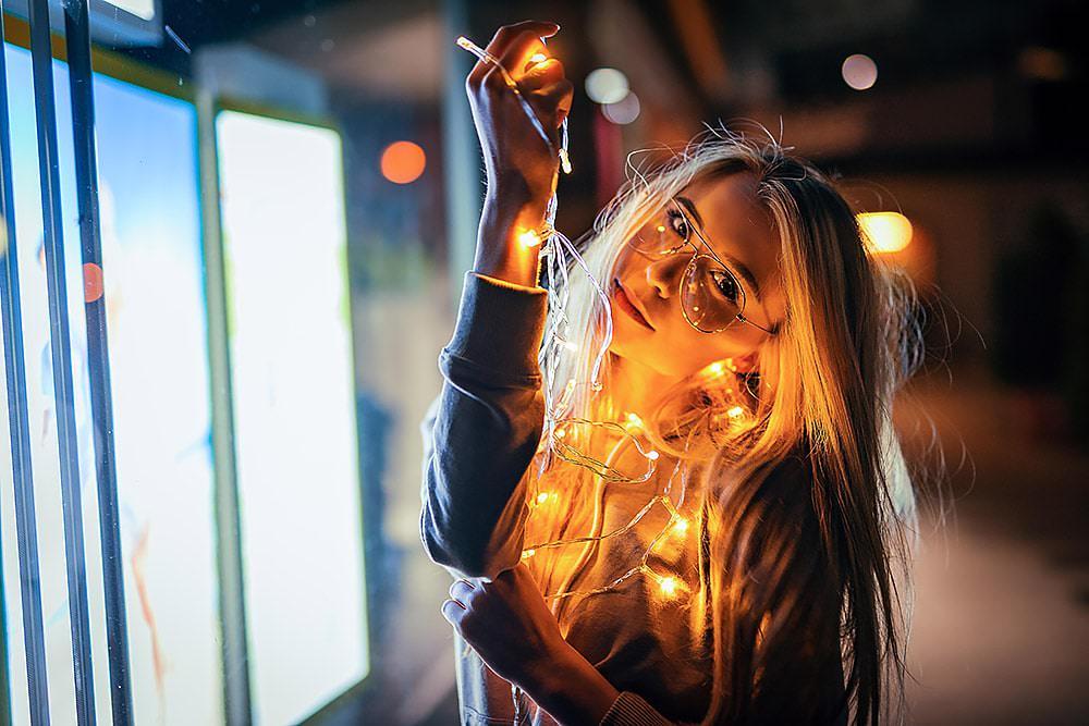 Fotoshooting Streetfotografie Fotograf fotostudio werbefotograf Medienagentur Model Sedcard max hoerath design kronach thurnau stadtsteinach n%C3%BCrnberg berlin - Lichterketten Shooting I mit Selina