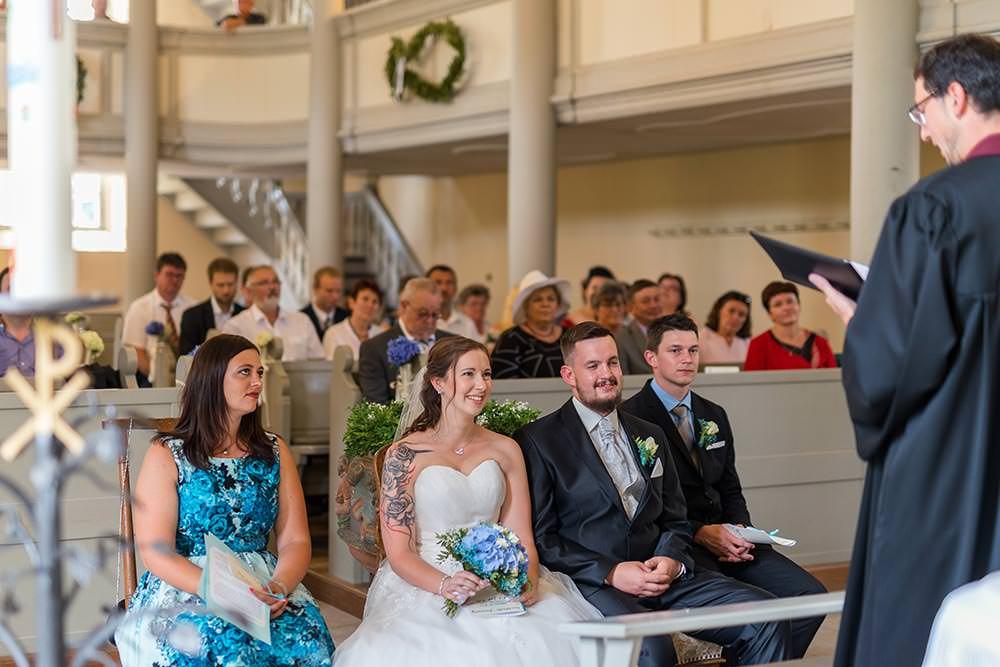 Hochzeitsfotograf Fotograf brautpaar Hochzeitsfotos Hochzeitsreportage hochzeitshooting Kirche trauung brautstraus brautpaar Liebespaar max hoerath design - Hochzeitsreportage & After Wedding mit Maria & Jan