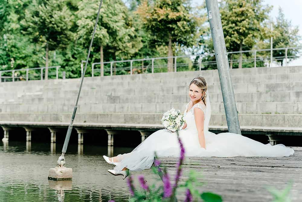 hochzeit in kronach oberfranken hochzeitsfotograf max hoerath design fotograf fotostudio kirche fotoshooting braut br%C3%A4utigam franken 1 - Hochzeitsreportage mit Isabella & Sebastian in Kronach